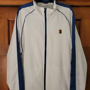 VTG Nike white lined tennis warmup jacket with zippered pockets